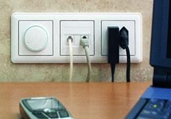 Розетки и выключатели